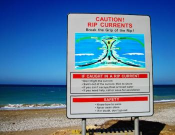 IOP Rip Currents Sign